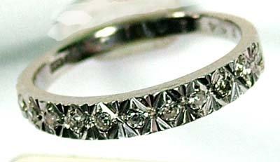 15: Ladies' half eternity ring