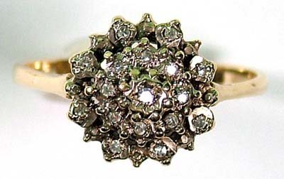21: Ladies' diamond cluster ring