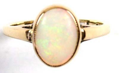 10: Ladies' oval opal ring