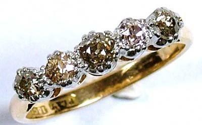 21: Ladies' five stone diamond ring,
