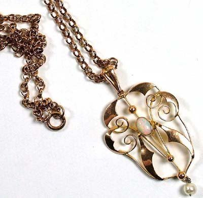 22: Antique pendant and chain