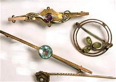 157: Antique brooches and pearl stick pin (4)