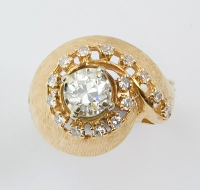 2: Ladies diamond ring
