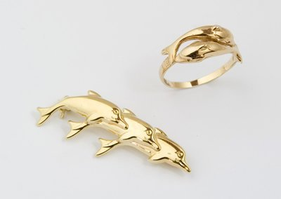 11: Dolphin ring and brooch