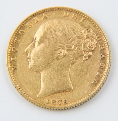 469: Victoria, young head, sovereign, 1875 S