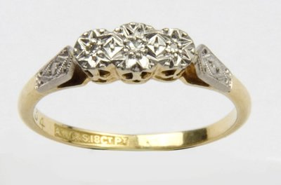 7: Ladies antique three stone diamond ring