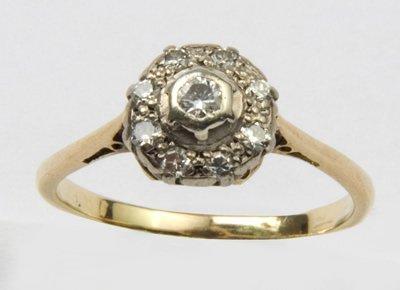 9: Ladies diamond cluster ring