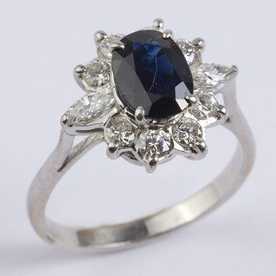3: Ladies sapphire & diamond cluster ring
