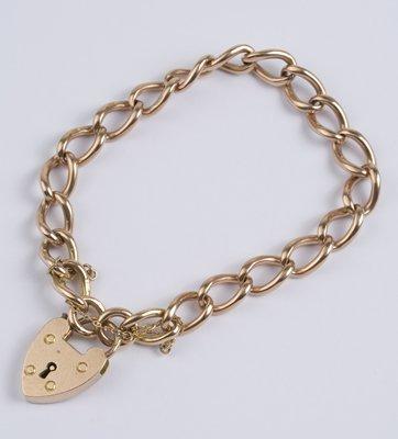 18: Ladies rose gold antique curb bracelet