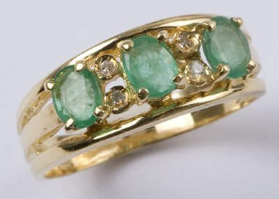 3: Ladies' emerald & diamond ring