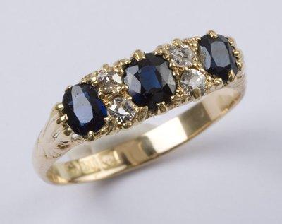 6: Ladies' sapphire & diamond ring