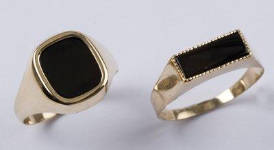 8: Gent's black onyx rings (2)