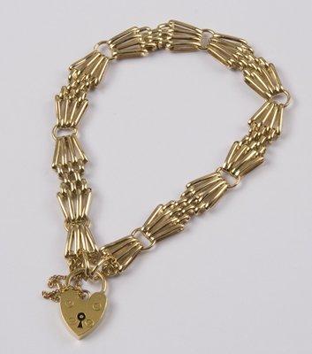 11: Ladies' four bar gate bracelet