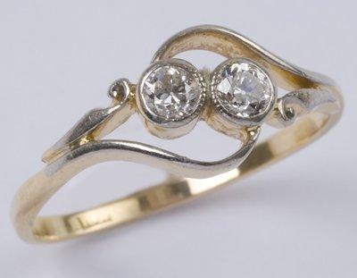 21: Ladies' two stone diamond ring