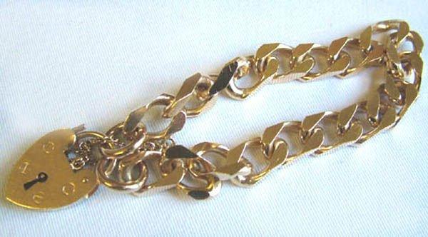 19: Ladies square curb bracelet