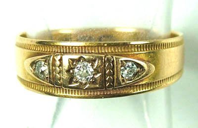 764: Ladies' antique diamond set ring