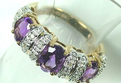 773: Ladies' amethyst and diamond ring