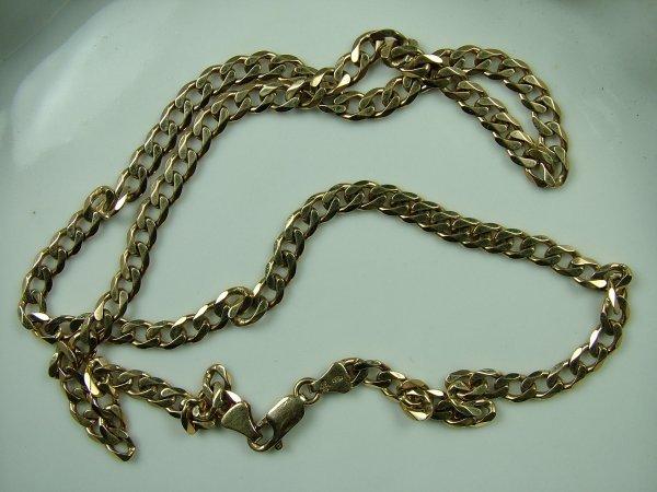 25: Curb chain