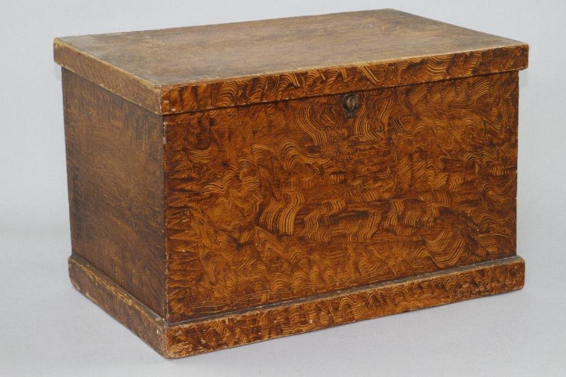 A SMALL GRAIN PAINTED STORAGE CHEST, 19THC. - 2