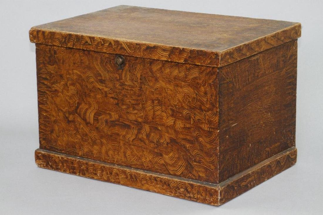 A SMALL GRAIN PAINTED STORAGE CHEST, 19THC. - 3