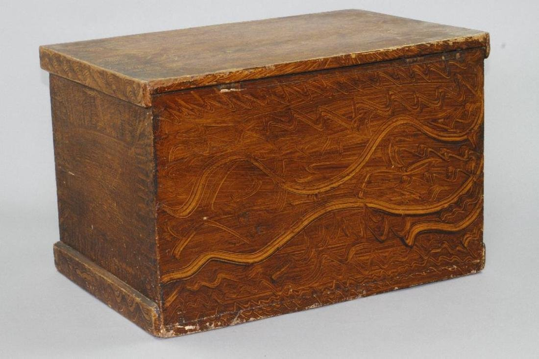 A SMALL GRAIN PAINTED STORAGE CHEST, 19THC. - 4