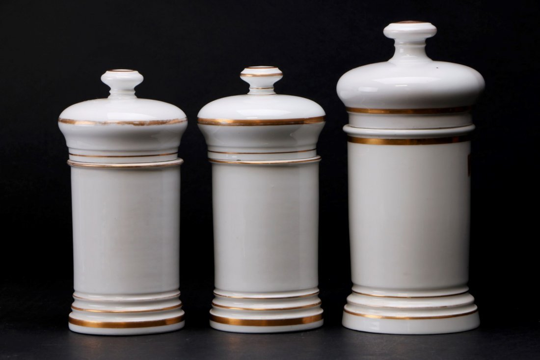 THREE FRENCH PORCELAIN APOTHECARY JARS, 19TH CENTURY - 2