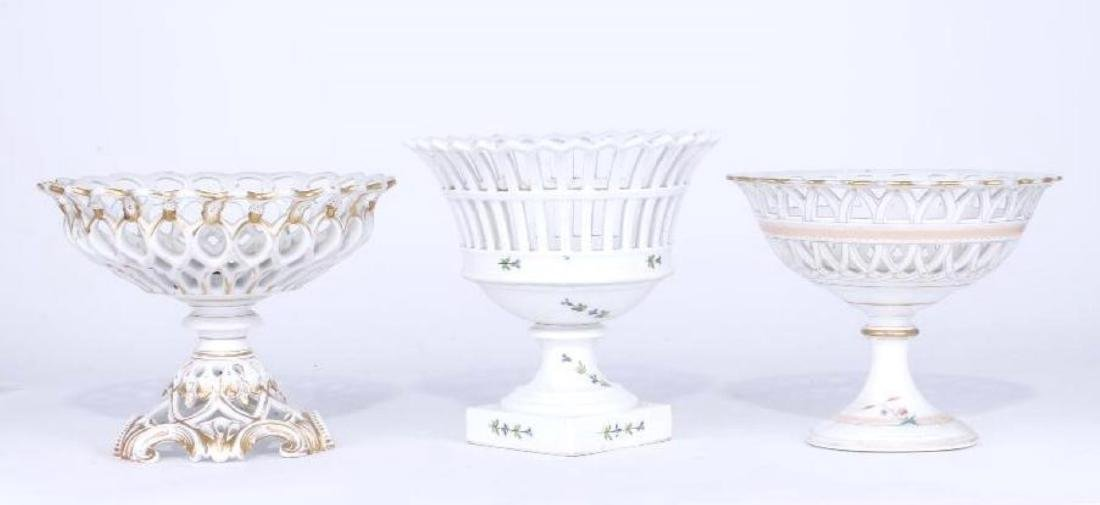3 GILT, PAINTED PORCELAIN RETICULATED COMPOTES 19TH C. - 2