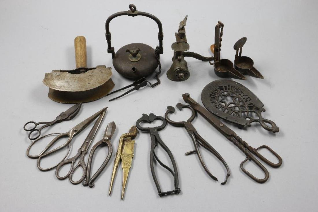 A COLLECTION OF IRON AND BRASS ACCESSORIES, 19THC. - 2
