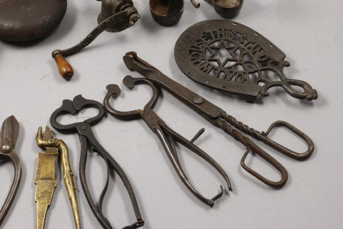 A COLLECTION OF IRON AND BRASS ACCESSORIES, 19THC. - 5