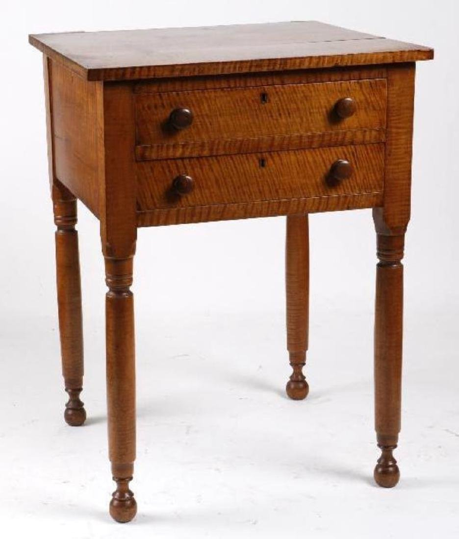 A FEDERAL TIGER MAPLE TABLE, EARLY 19THC.