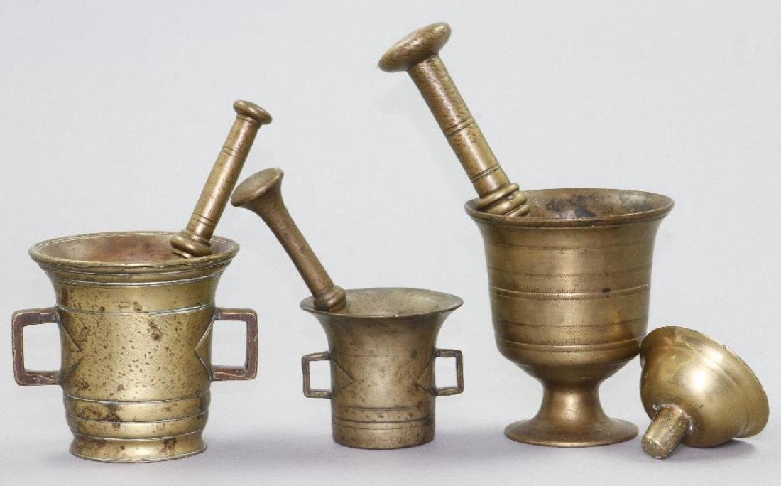 3 BRASS MORTAL AND PETALS, TOGETHER WITH A BRASS LID - 3