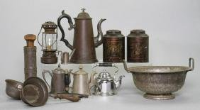 12 PIECES OF VARIOUS TINWARE