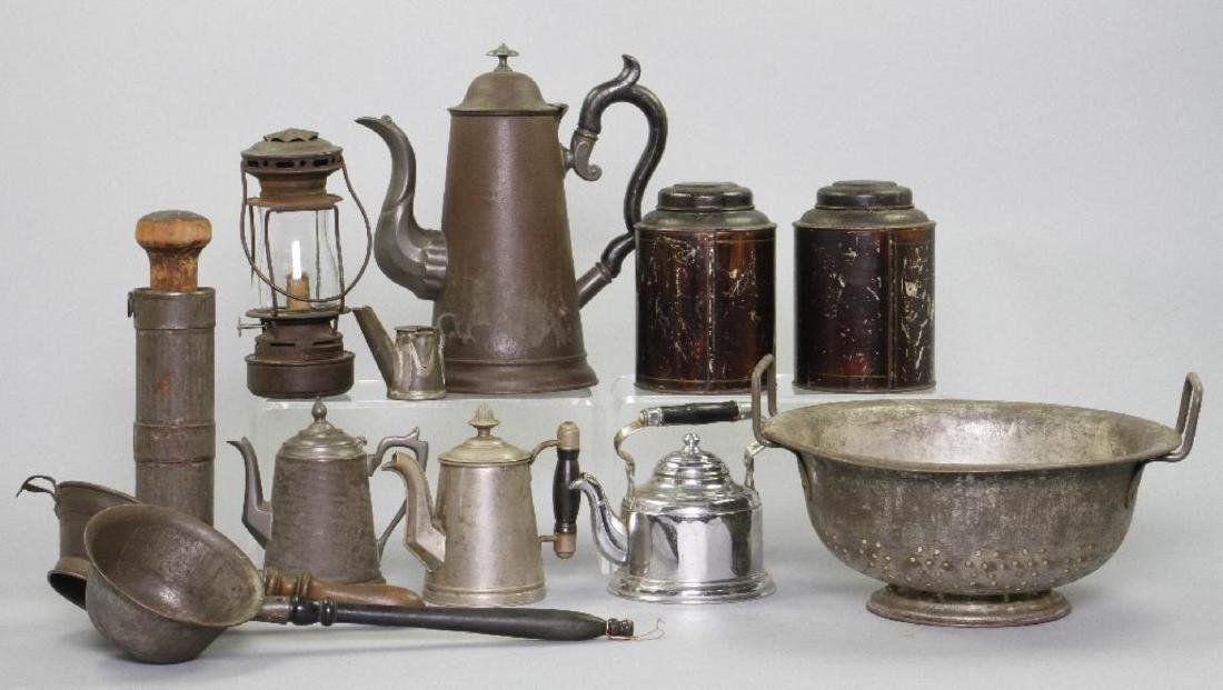12 PIECES OF VARIOUS TINWARE - 3