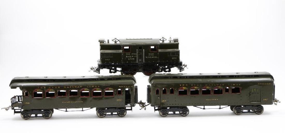 Ives Standard Gauge  Passenger Set