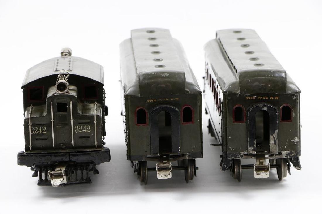 Ives Standard Gauge  Passenger Set - 2