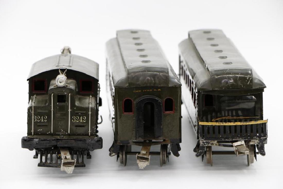 Ives Standard Gauge  Passenger Set - 4