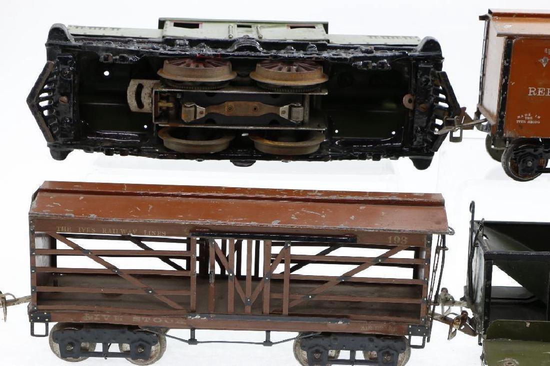 Ives Standard Gauge   Freight Set - 4