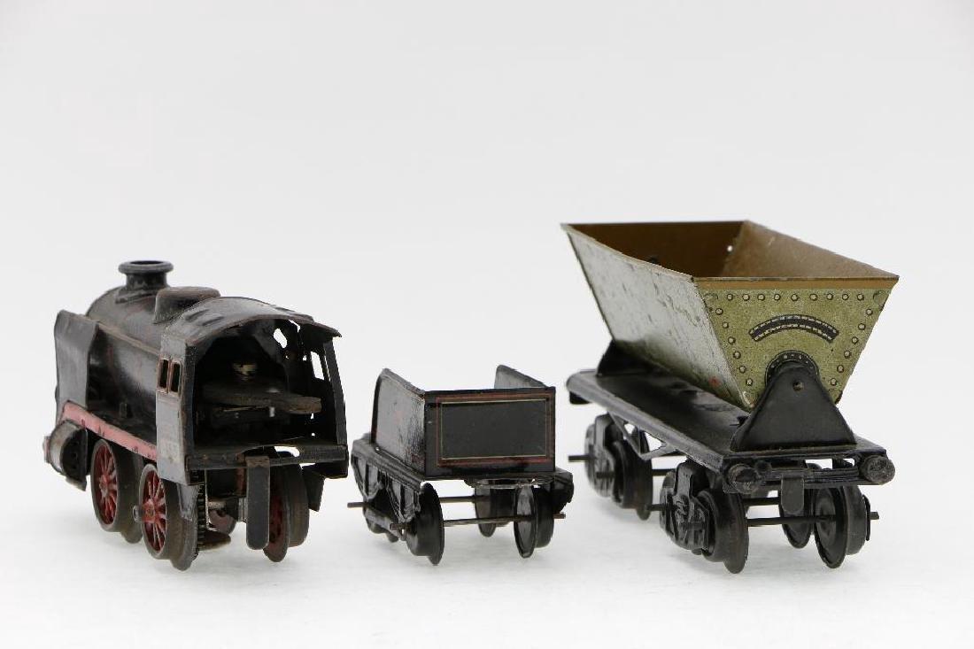 Kraus 0 Gauge Locomotive and Freight Car Grouping - 4