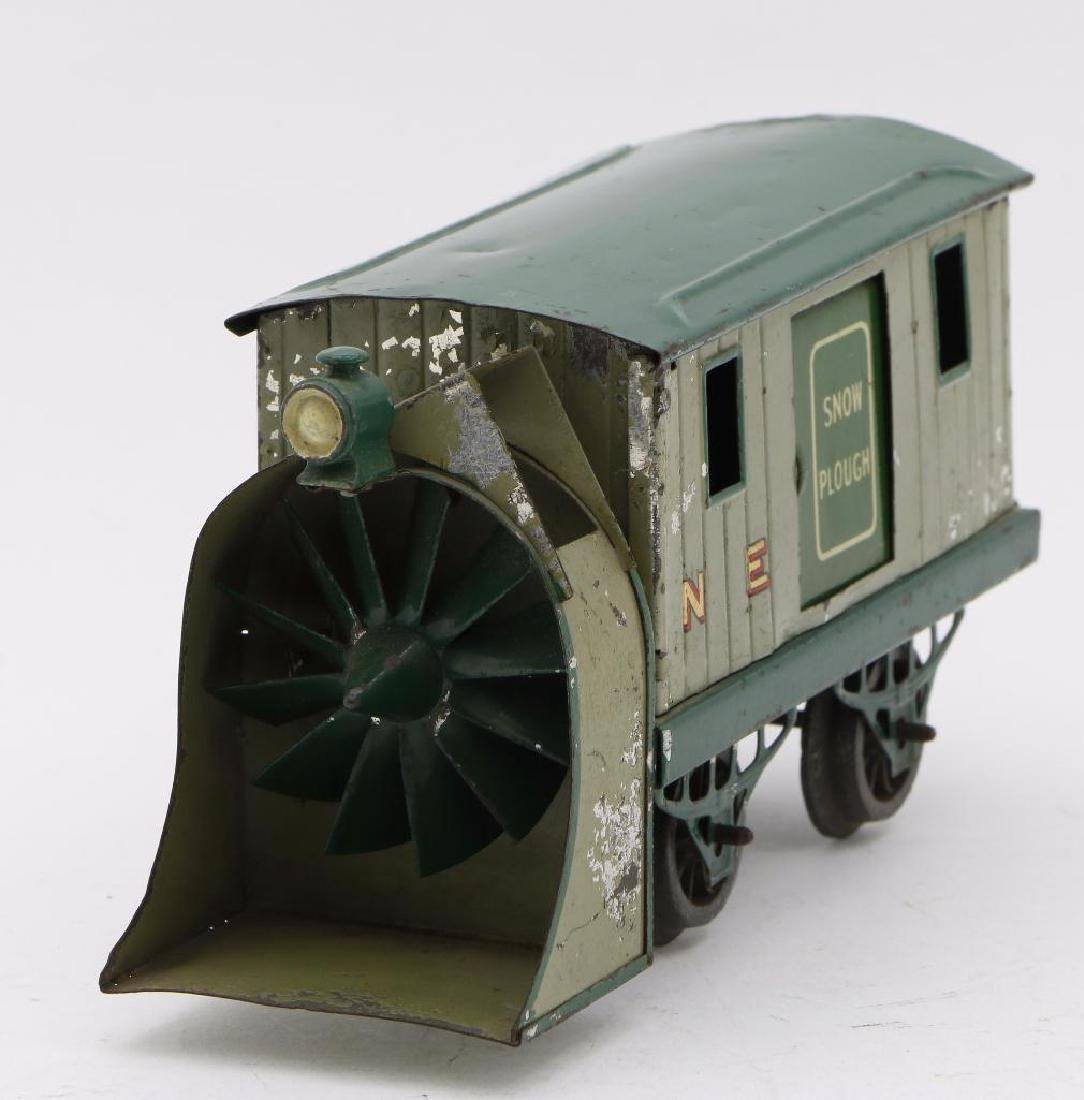 Hornby 0 Gauge unpowered Snowplow - 2