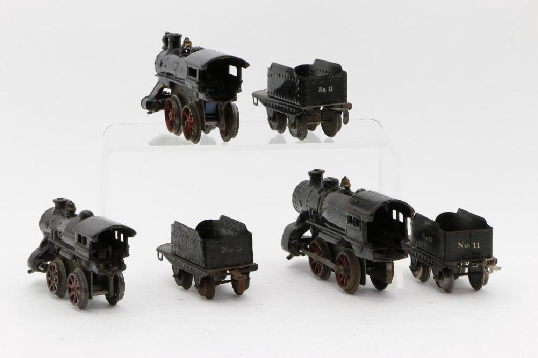 Ives O Gauge Locomotive and Tender Grouping - 4