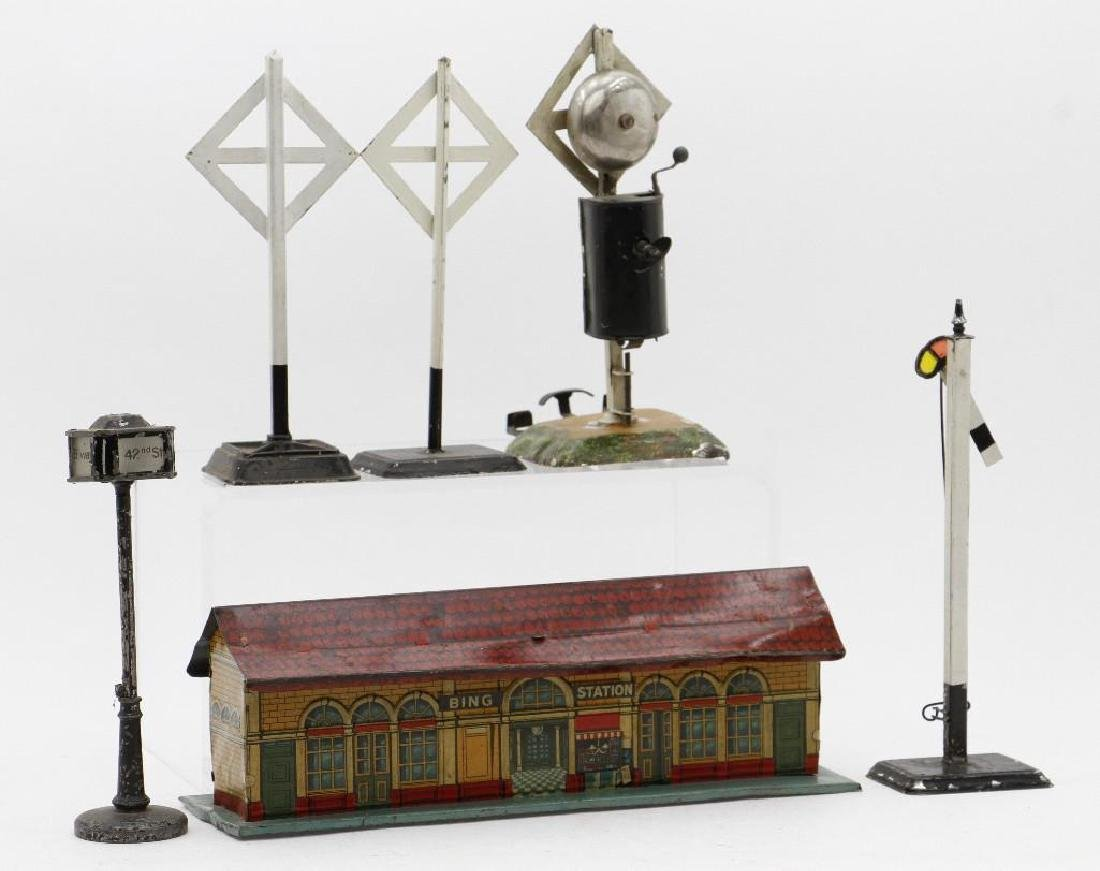 Bing O and 1 Gauge Accessory Grouping - 2