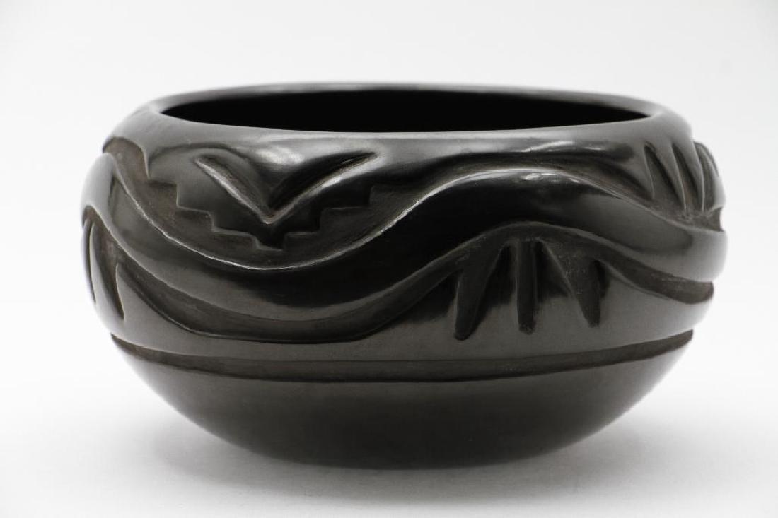 Santa Clara carved blackware pottery bowl - 3