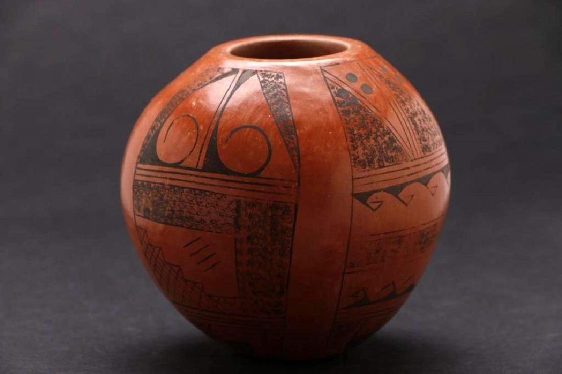 Hopi pottery jar - 3