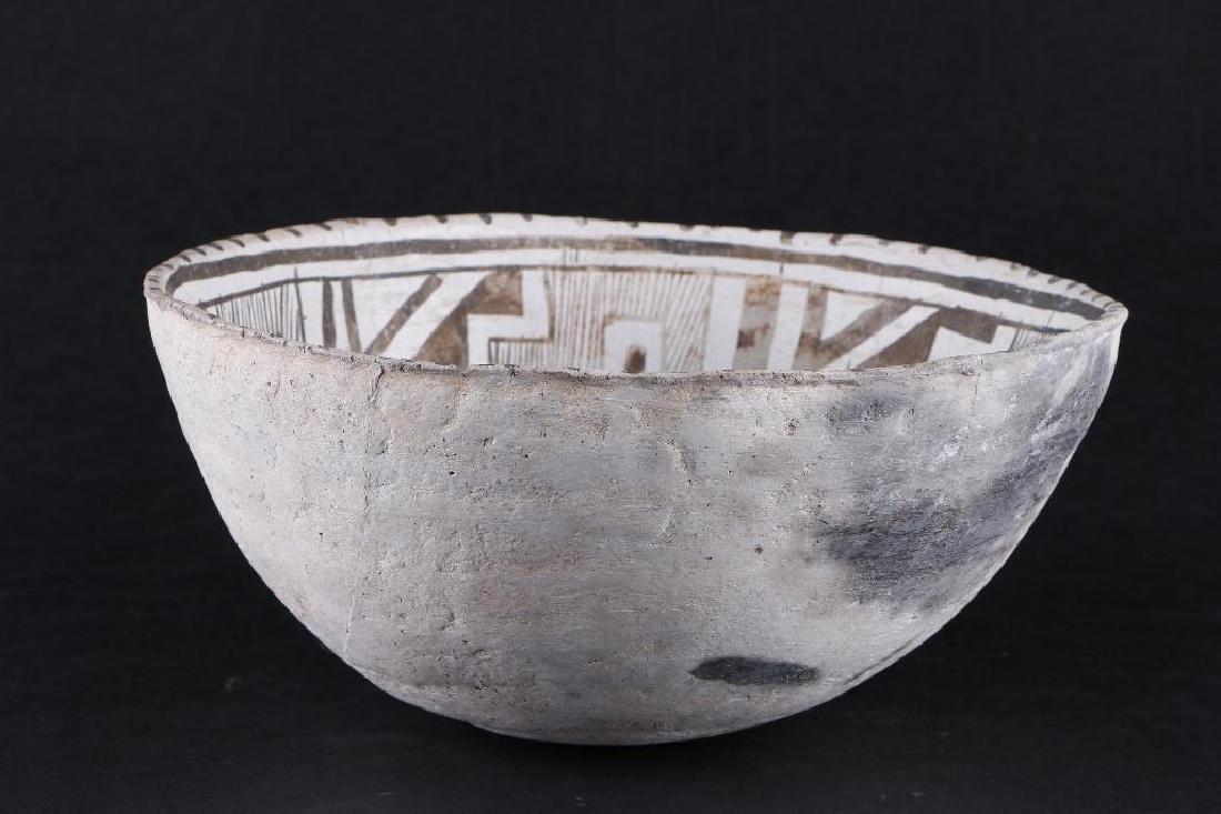 Tularosa black-on-white pottery bowl - 2