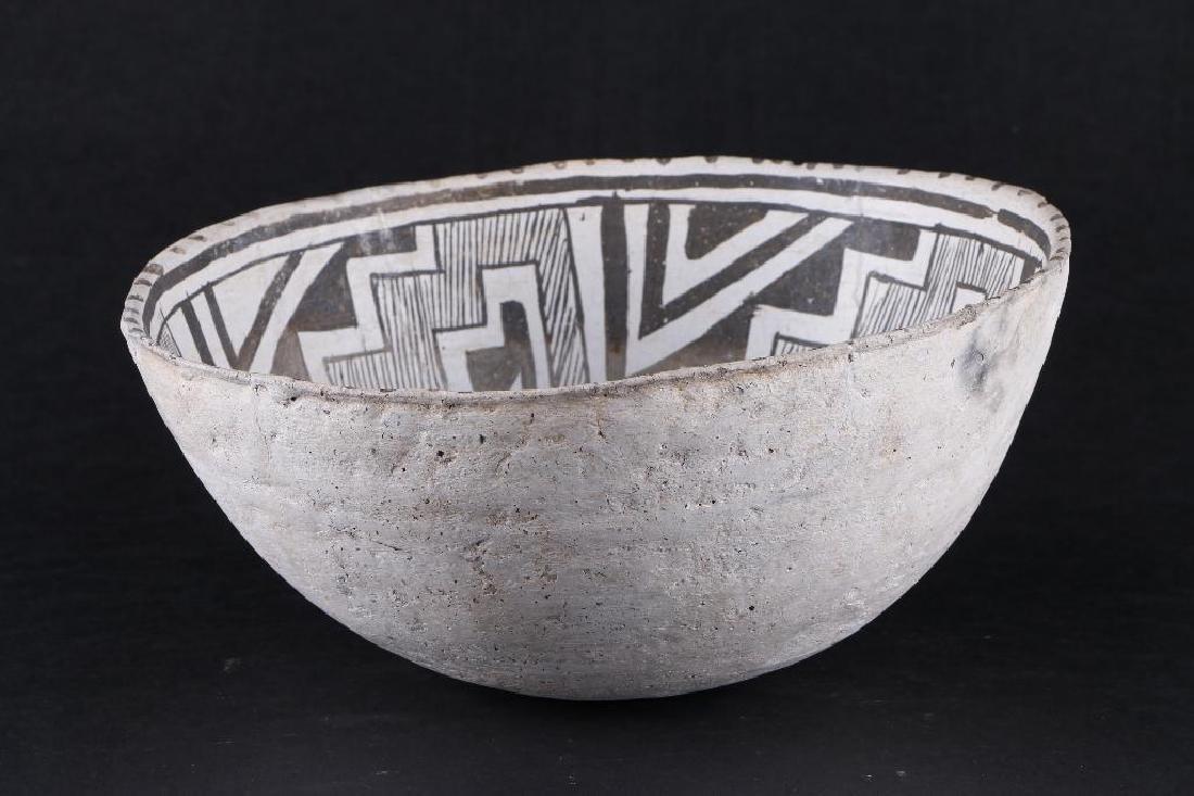 Tularosa black-on-white pottery bowl - 3