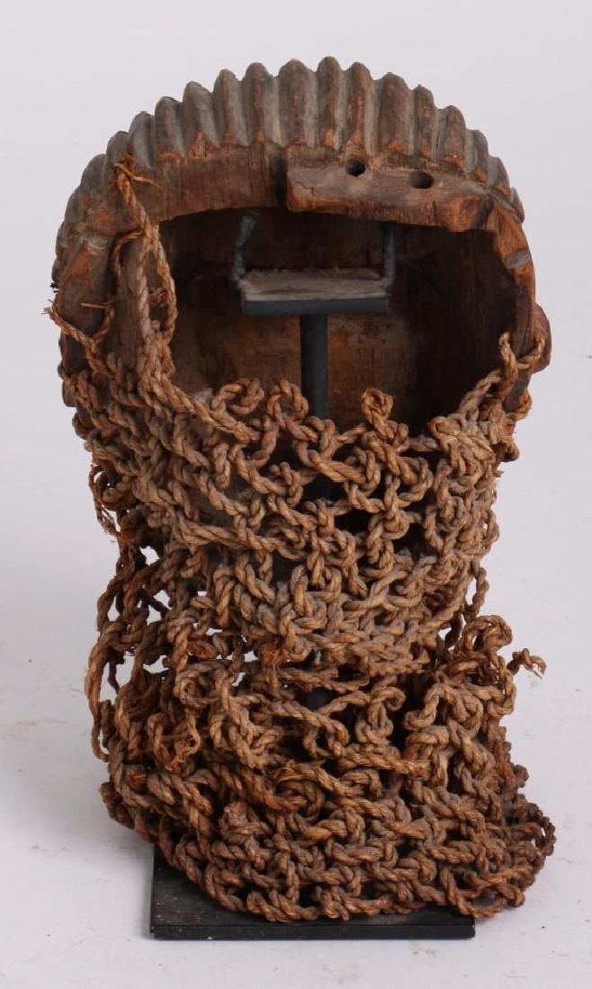 A Tshokwe mask, Angola - 3