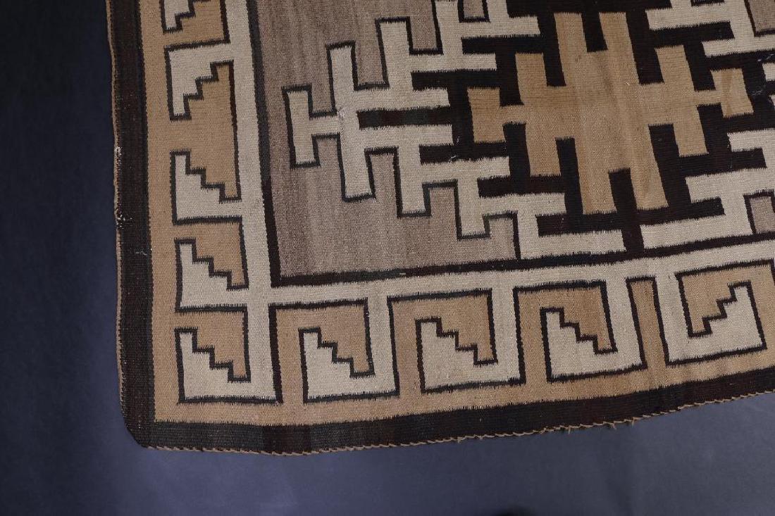Navajo rug - 3