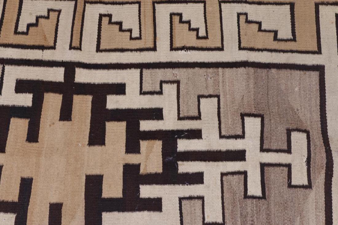 Navajo rug - 4