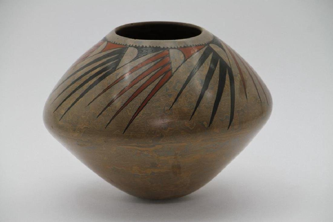Casas Grandes polychrome pottery jar