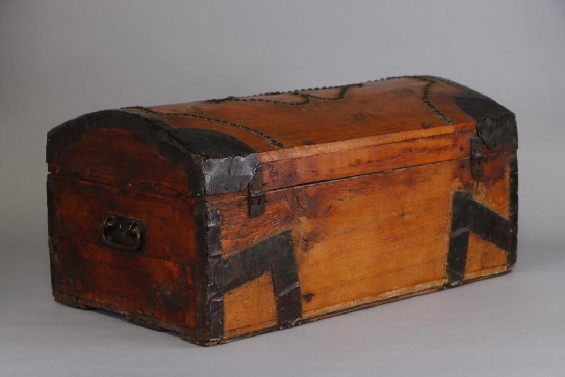 AMERICAN METAL MOUNTED & BRASS TACK DECORATED TRUNK - 4